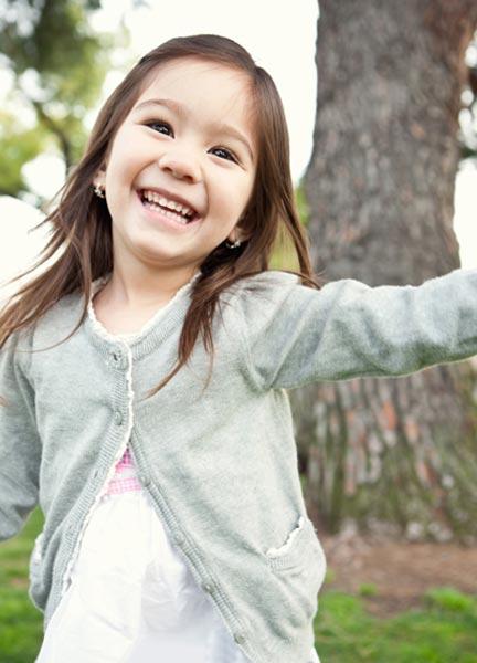 Αναπτύξτε την κοινωνικότητα του παιδιού σας, ανάλογα με την ηλικία του