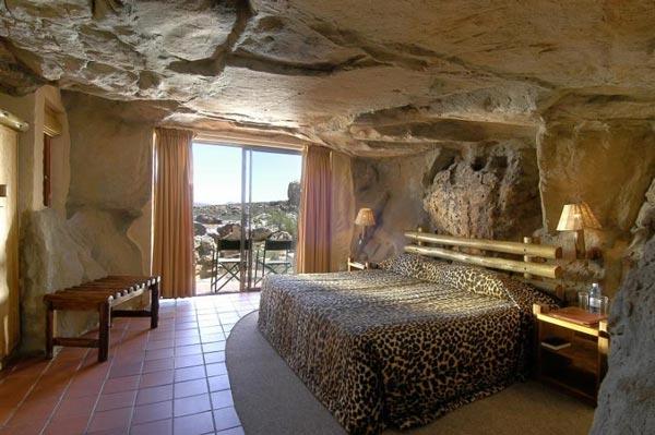 cavehotel5