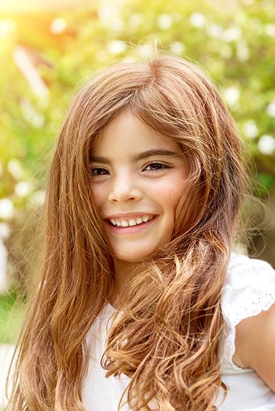 Portrait-of-smiling-cute-littl-girl